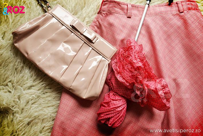 fusta roz in carouri plus accesorii