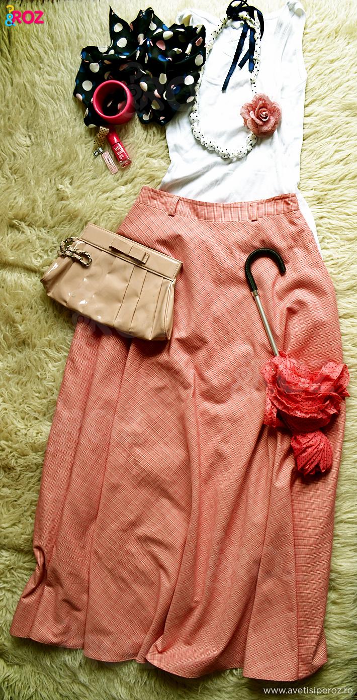 rochie roz in carouri plus accesorii