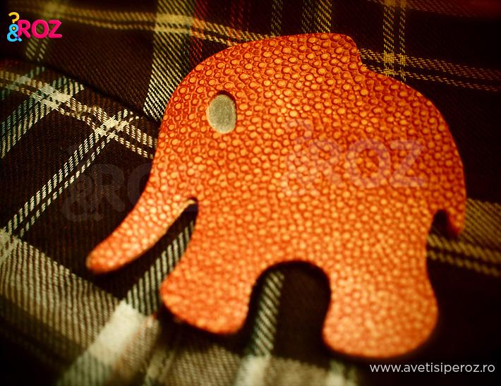 brosa-elefant-carla-szabo