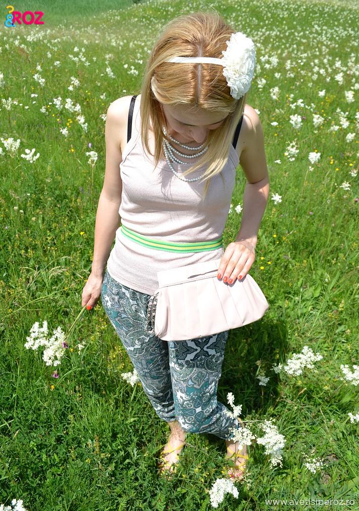 tinuta-de-vara-cu-imprimeu-floral