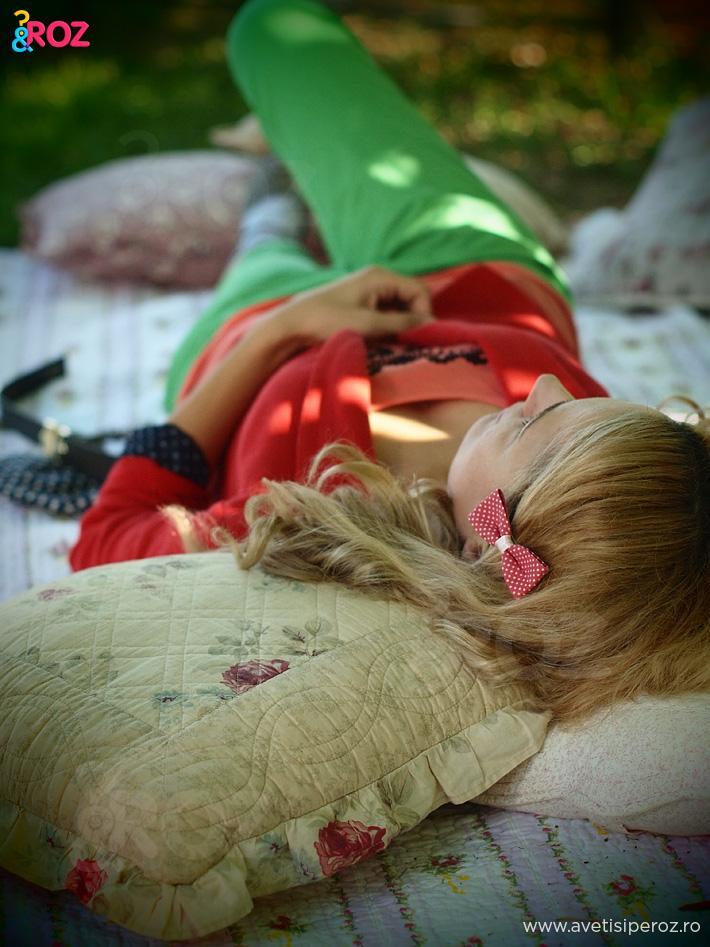 fata-blonda-la-picnic