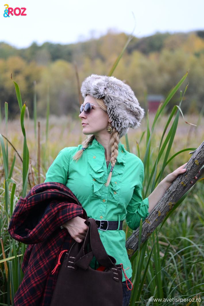 camasa verde si hanorac in carouri