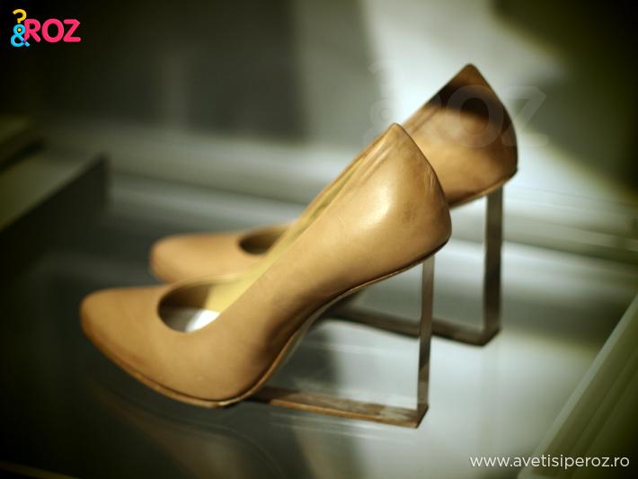pantofi-cu-toc-transparent-margiela-hm