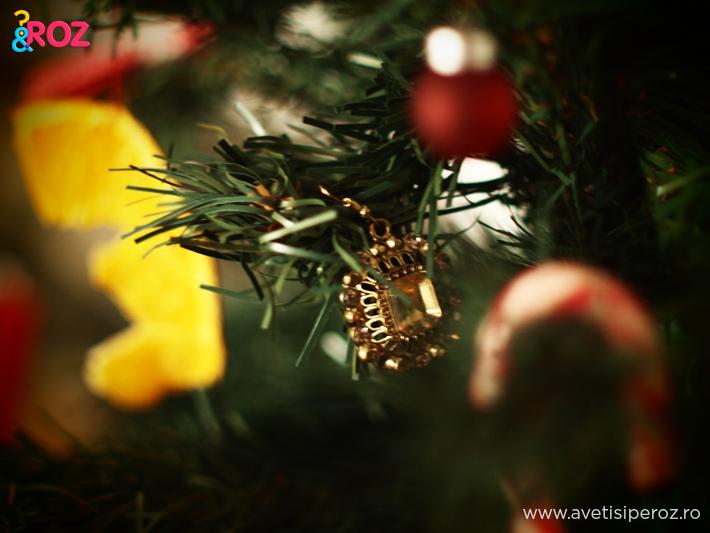 cercei-decorand-bradul