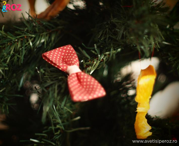 ornamente-brad.