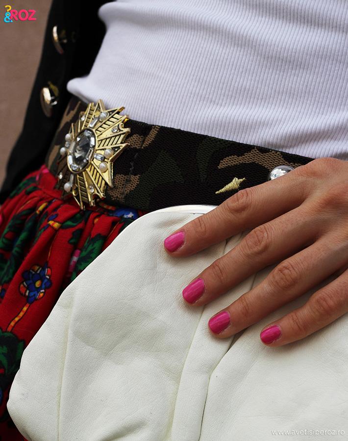 clutch alb si unghii roz
