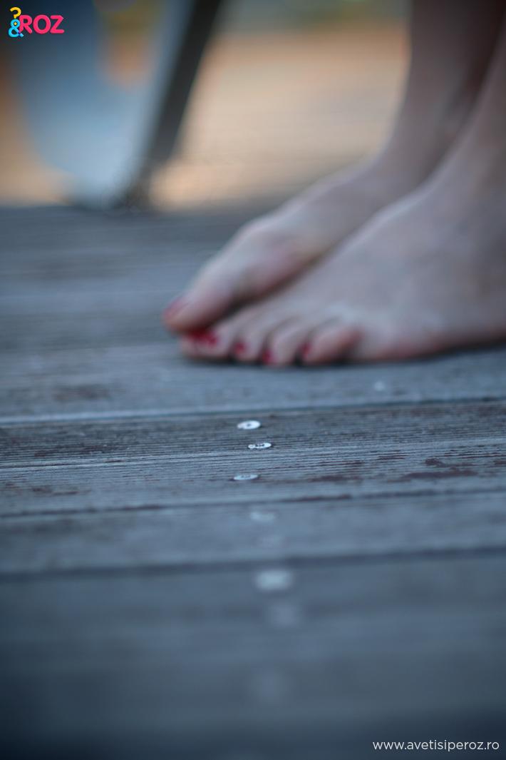 picioare pe podea