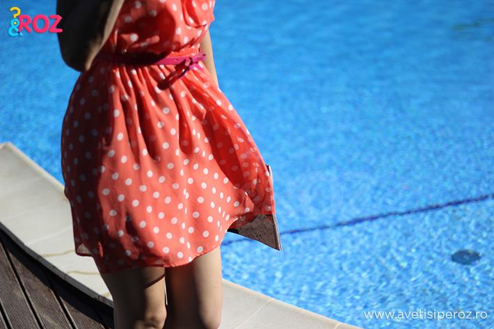 rochie portocalie cu buline