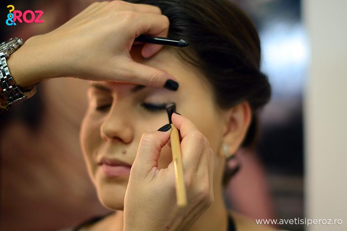sedinta de make-up avon