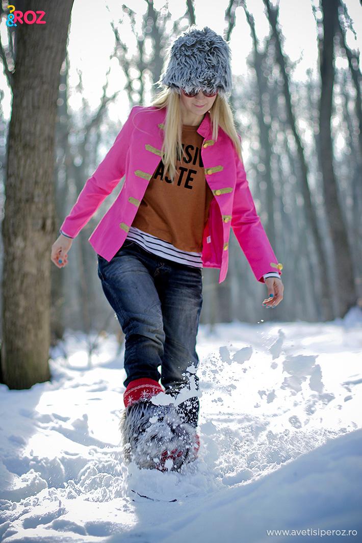 tinuta de iarna cu sacou roz