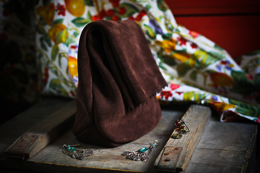 clutch handmade piele intoarsa