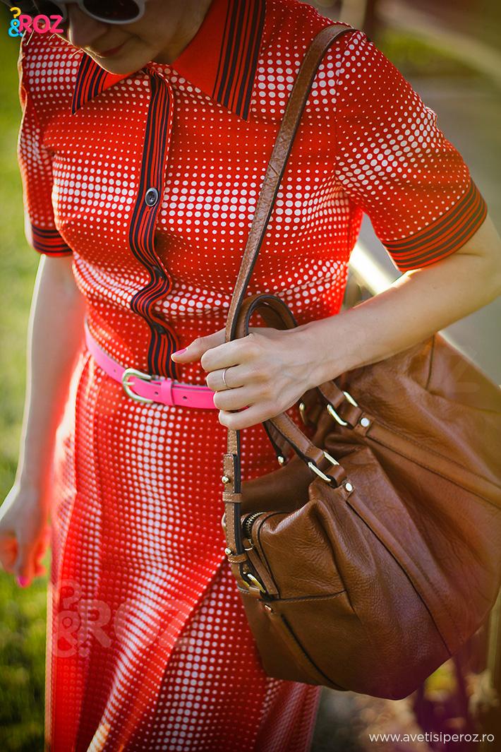 rochie retro rosie si geanta zara