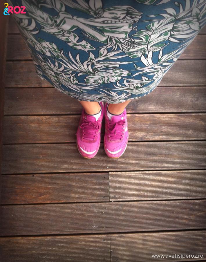 rochie zara si pantofi sport roz