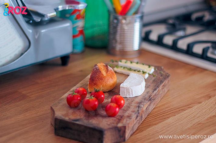 mic dejun cu rosii si brtanza