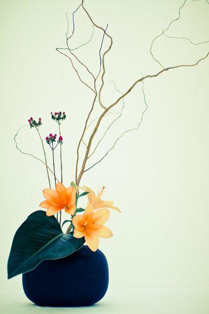 cum sa te imbraci folosind ikebana