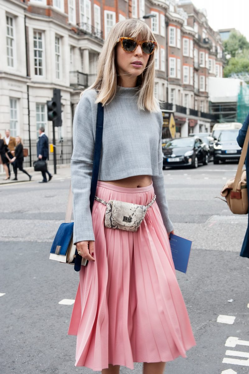 how-to-wear-a-pleated-skirt