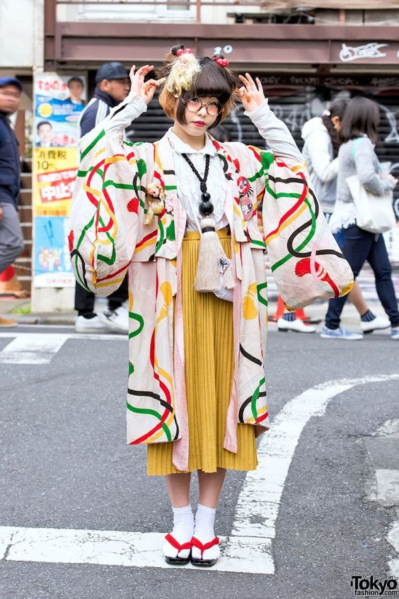 pleated-skirt-and-kimono