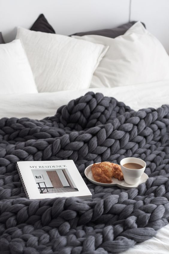 chunky-knit-blanket