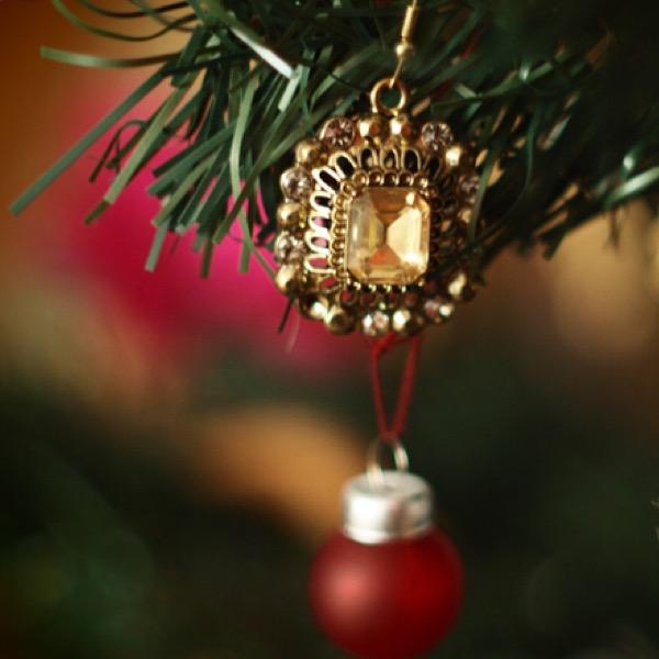 decoratii-de-craciun-din-bijuterii