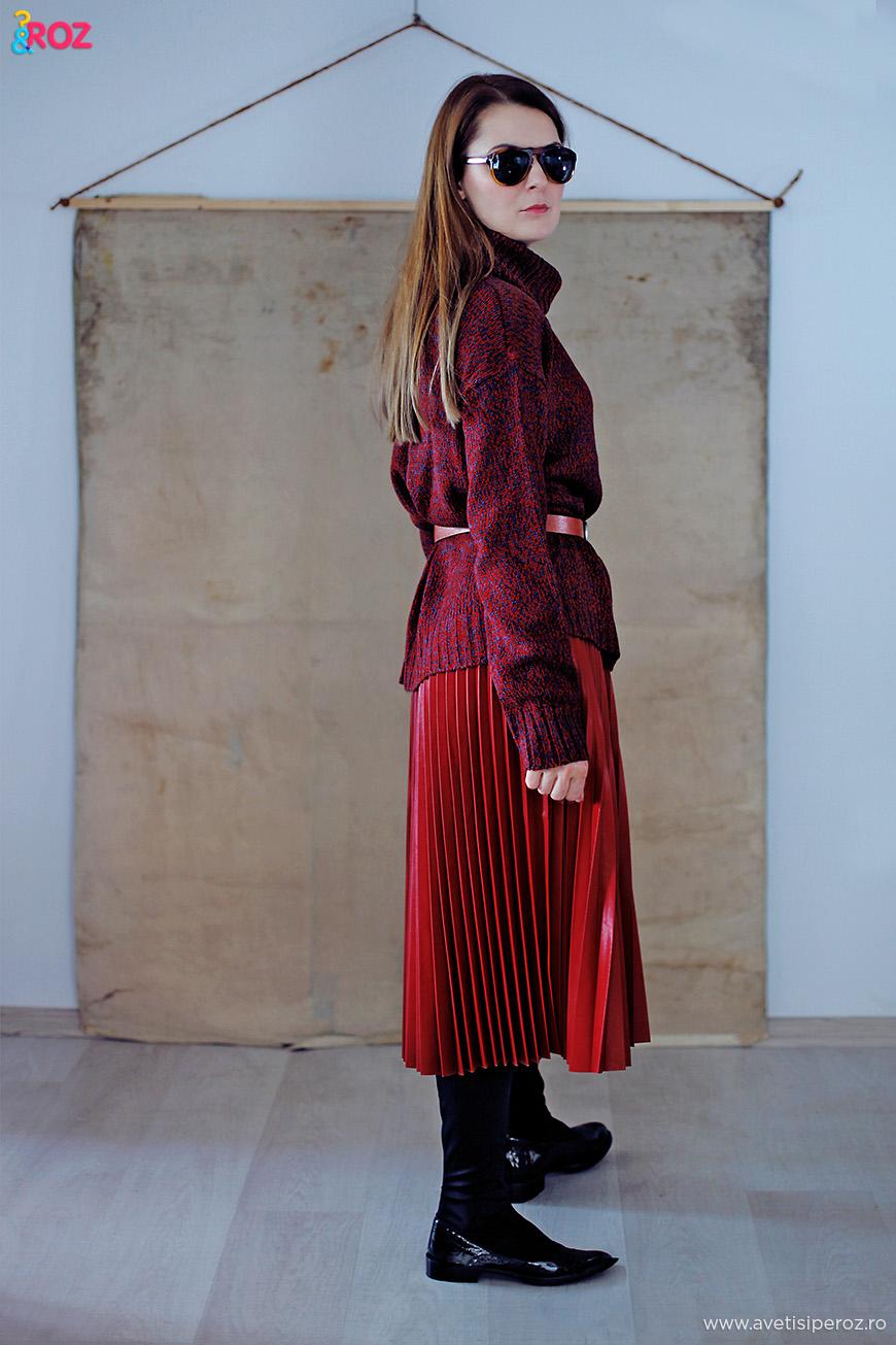 pulover si fusta plisata