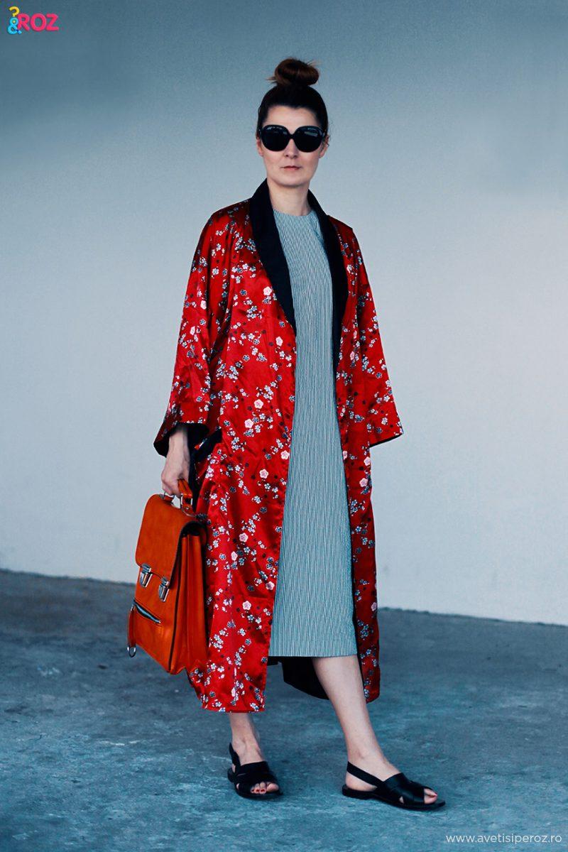 tinuta cu kimono rosu