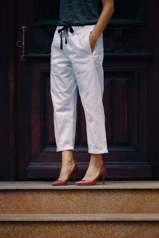 pantaloni marni si pantofi il passo