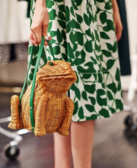 geanta in forma de broasca