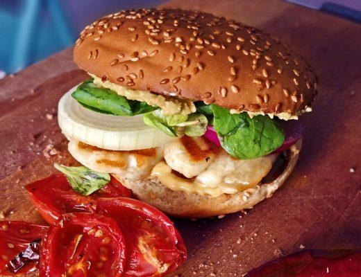 burger cu halloumi