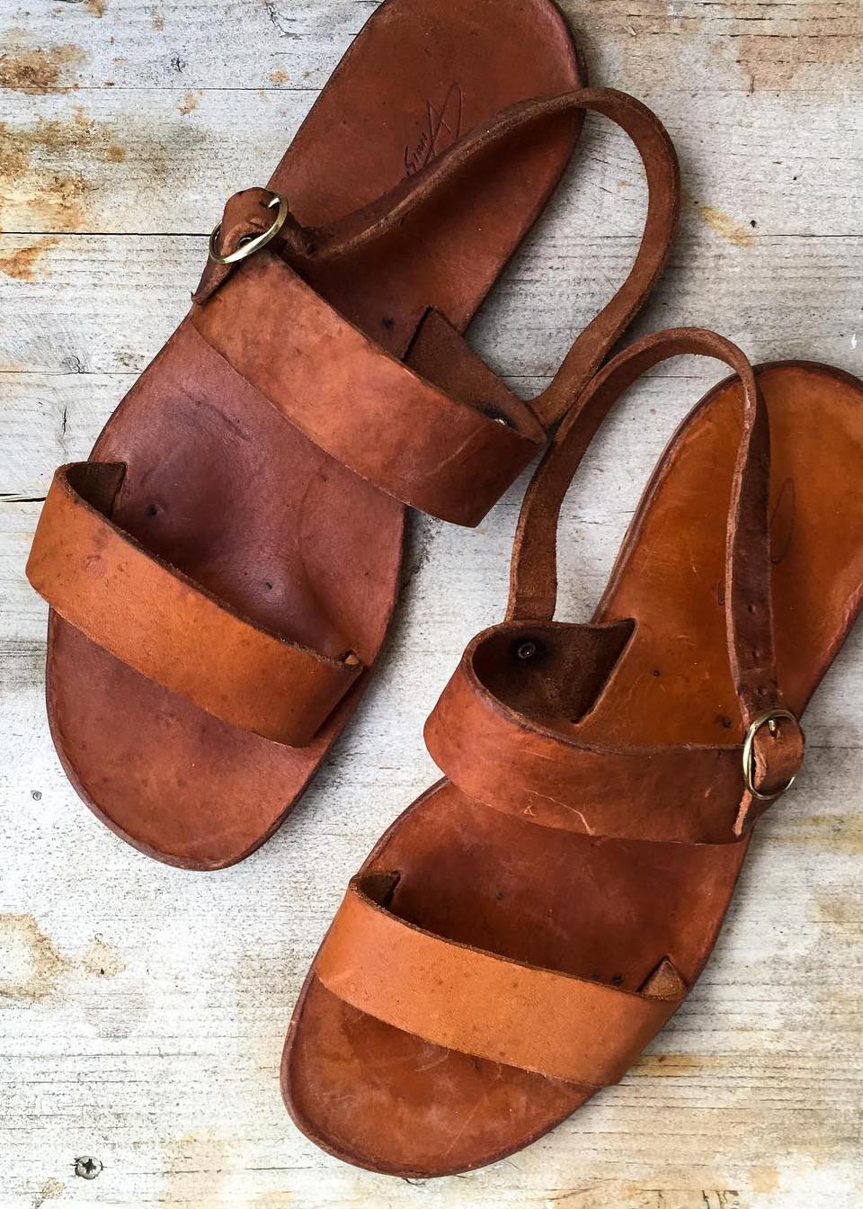 sandale grecesti din piele