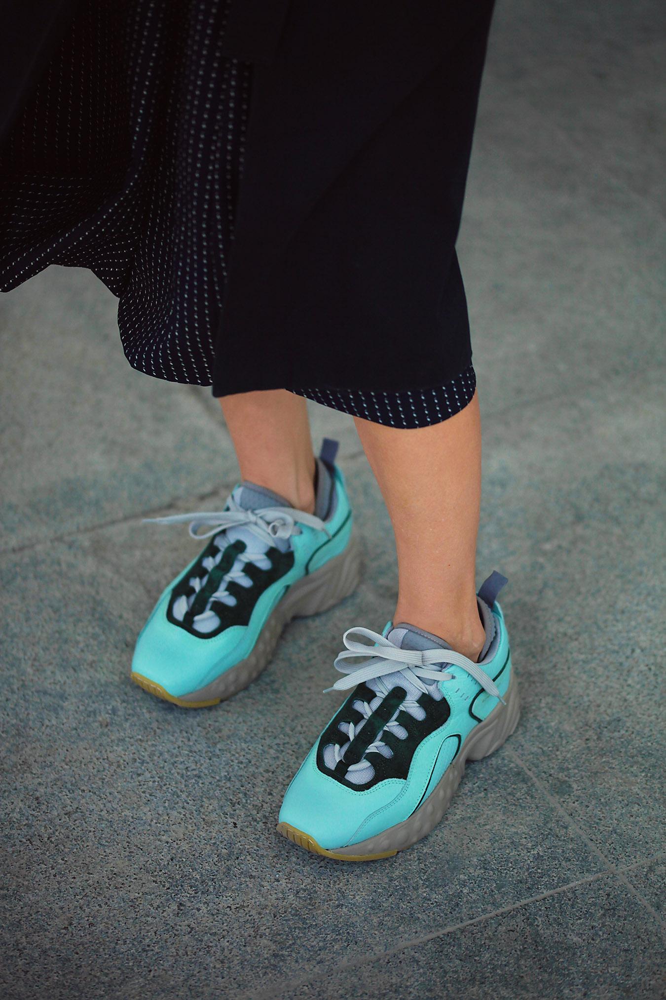 pantofi sport cu rochie