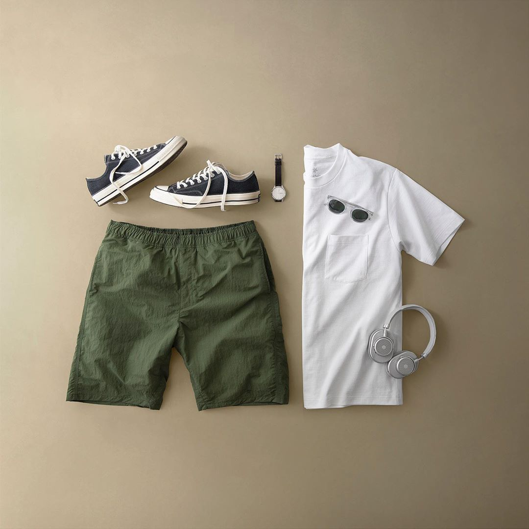 minimalist fashion grid