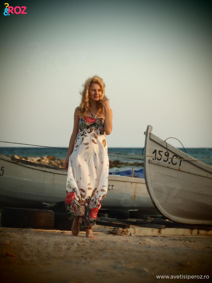 rochie-alba-de-plaja