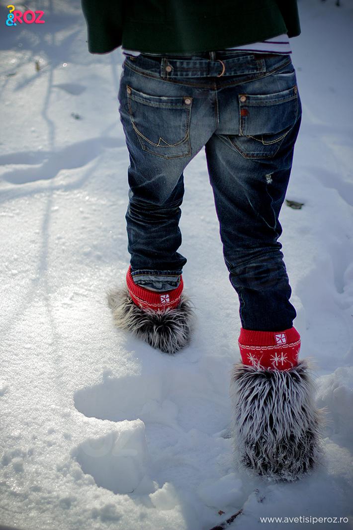 cizme cu blana si jeansi