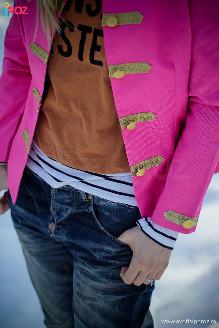 sacou roz si bluza cu dungi