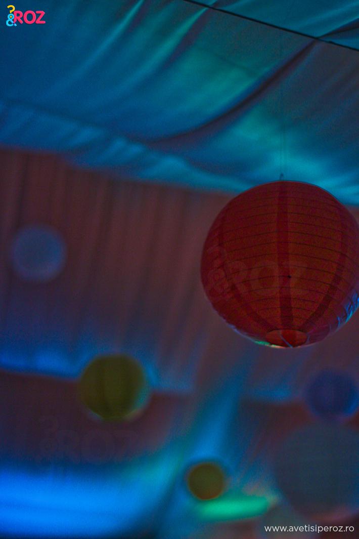 lampi de hartie colorate