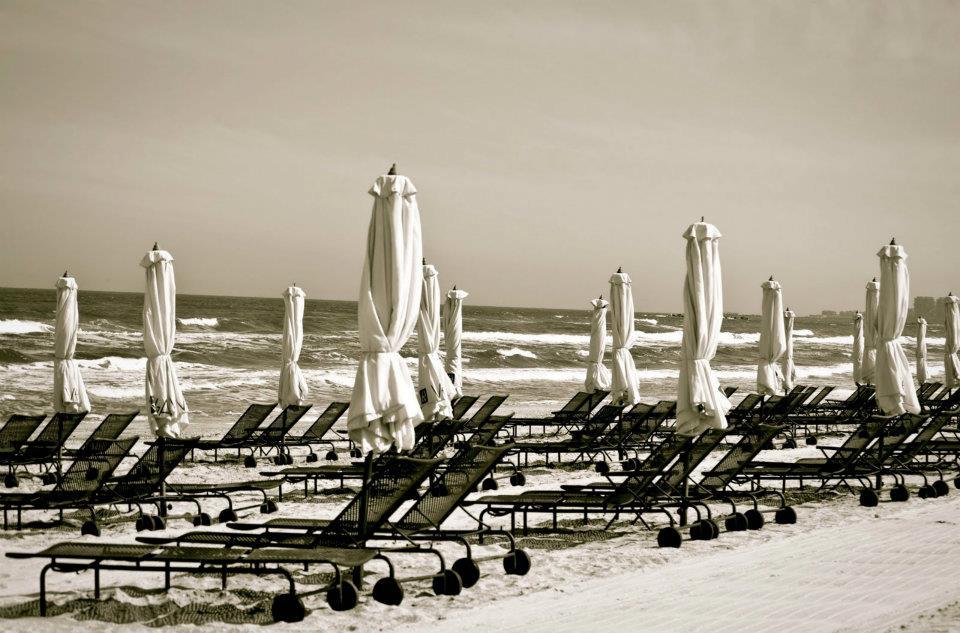 umbrele de soare la mare