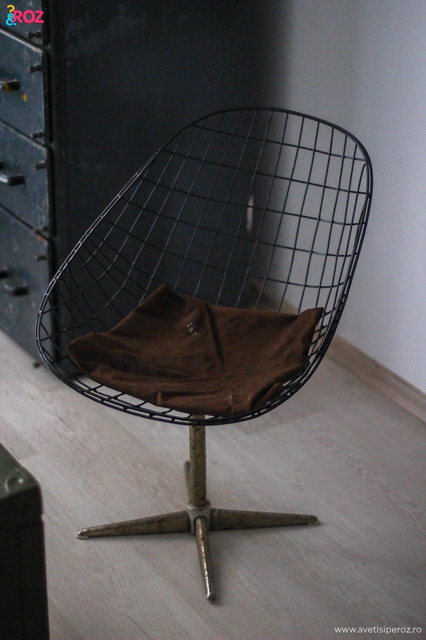 scaun metalic retro