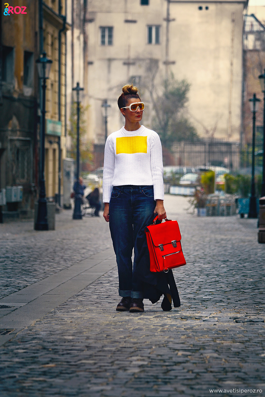 color and jeans outfit