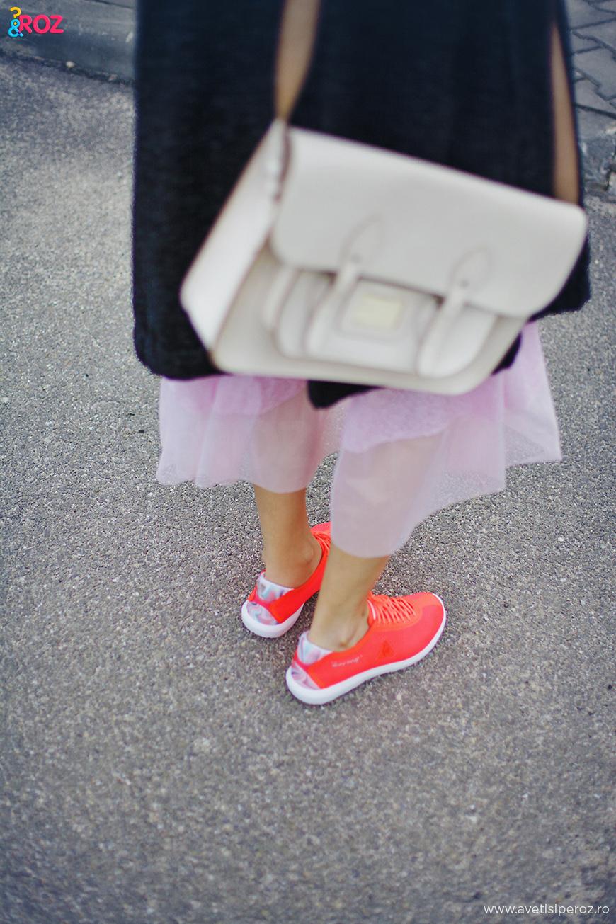 pantofi sport si rochie