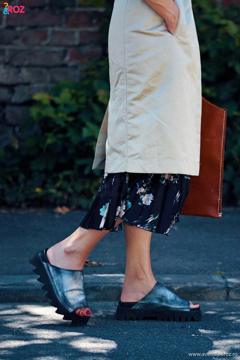 papuci rundholz si fusta plisata